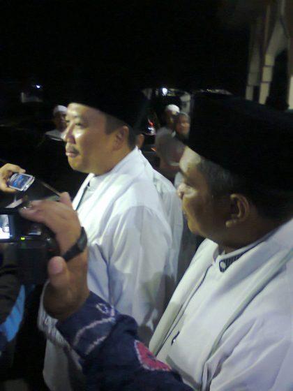Walikota mendampingi Menteri Pemuda dan Olahraga saat diwawancarai media
